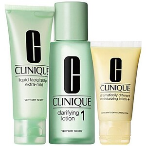 Set cadou CLINIQUE 3 Step Skin Care, ten uscat: Sapun lichid pentru fata, 50ml + Lotiune pentru catifelare, 100ml + Lotiune hidratanta, 30ml PAK125106