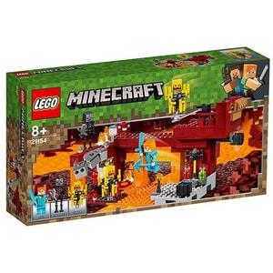 LEGO Minecraft: Podul Flacarilor 21154, 8 ani+, 372 piese